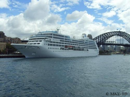 MS Pacific Princess in Sydney