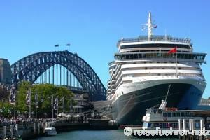 MS Queen Victoria in Sydney